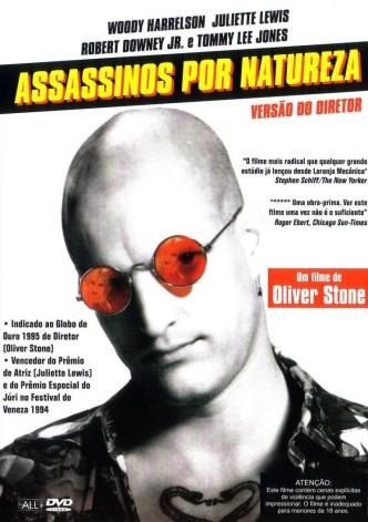 Filme de Oliver Stone, baseado em uma história de Quentin Tarantino, traz uma crítica a exaltação da mídia em torno da violência.