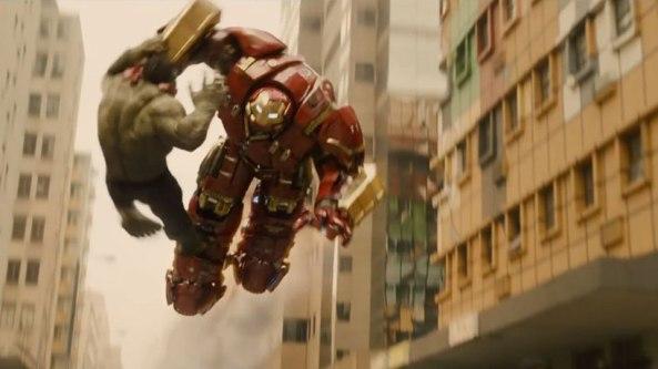 Homem de Ferro botando o Hulk pra
